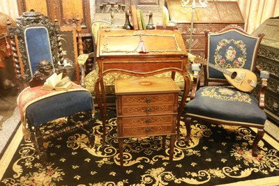 【家與收藏】特價稀有珍藏歐洲百年古董英國19世紀古典精緻手工Inlaid鑲嵌花卉小邊櫃/置物櫃