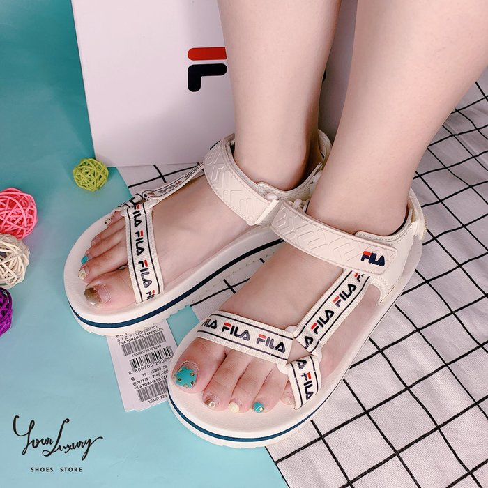 【Luxury】FILA 涼鞋 1SM00738 魔鬼氈 涼鞋 厚底 黑 白 軟底 男女鞋 情侶鞋 防水 韓國代購