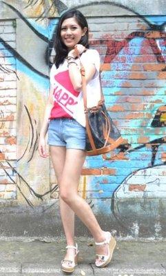 【0418新品優惠】寬版無肩線圓領上衣- F尺碼 -女版 【Wawa Yu品牌服飾】「happy」