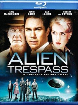 【藍光電影】外星人入侵 Alien Trespass/It Came from Beyond Space  6-051