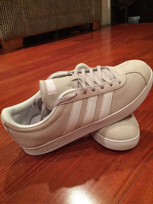 Adidas 女休閒鞋  尺寸US 9.5