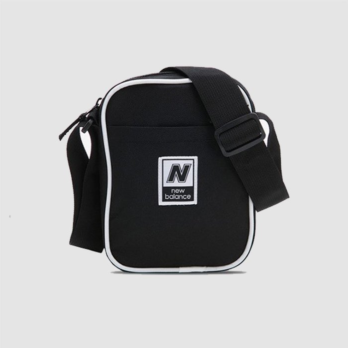 【QUEST】New Balance 側肩背包 小包 肩包 LAB93008 - 黑