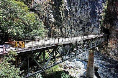 台灣圖片.風景.照片出租.花蓮東西橫貫公路橋樑.專業攝影師拍攝.想租多少價格.你決定專案.