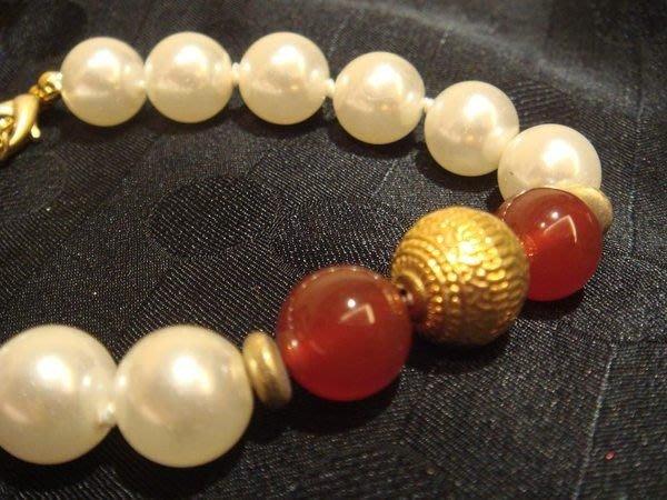 賣家珍藏,全新超美人造珠手鍊,賣場另有同款項鍊,無底價!免運費!