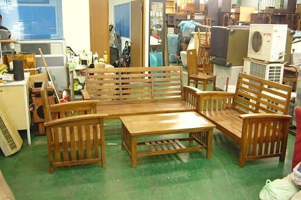 樂居二手家具館 全新中古傢俱賣場 P150全新橫條柚木頭 原木沙發椅加大茶几 實木板椅 客廳桌椅 餐桌 書桌