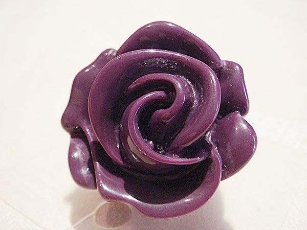 美國帶回,全新從未戴過 H&M 神秘紫玫瑰造型戒指,低價起標無底價!本商品免運費!