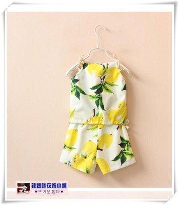 •*~ 辣媽咪衣飾小舖 ~*•❤童裝系列❤O220119韓版清涼水果印花吊帶衫+短褲二件套套裝