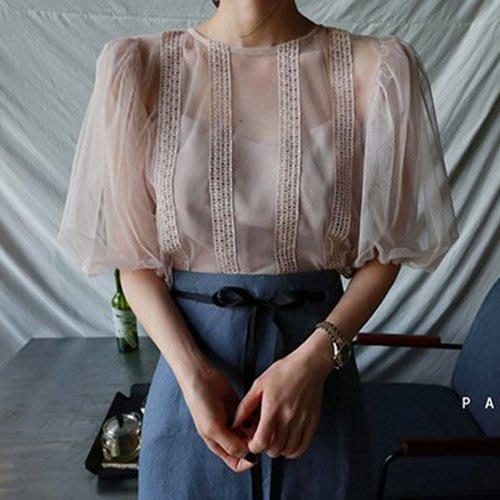 限時早鳥價到4/15調回原價980 夏季透氣蕾絲雪紡泡泡袖上衣 艾爾莎【TAK8288】