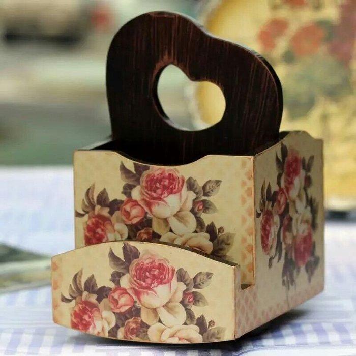 粉紅玫瑰精品屋~木質玫瑰辦公桌面收納盒 搖控器盒~