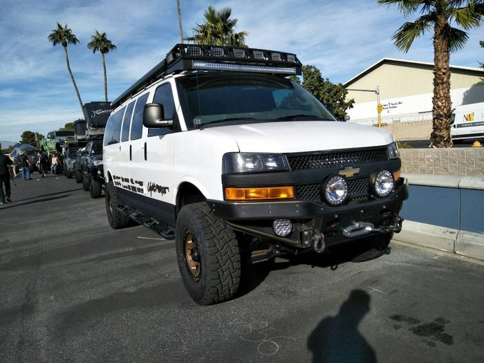DJD19082410 Chevrolet Express 排氣管改裝設計服務 依現場需求報價