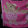 ~~凡爾賽生活精品~~全新日本進口粉紅色彩虹熊芭蕾舞造型加大浴巾~日本製