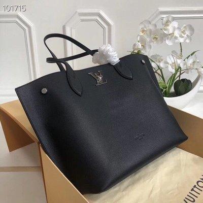 LOUIS VUITTON  新款購物袋 M55028頂級質素  更多新款諮詢WeChat 相冊睇款