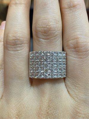 3.75克拉高等級天然鑽石戒指,無敵豪華版線戒,每顆鑽八心八箭完美車工,搭配超厚重鉑金,香港金工手工製作,鑑賞價226800元