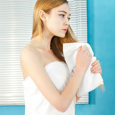 一次性白毛巾無紡布純棉浴巾酒店戶外旅游便攜加厚大潔面巾洗臉巾