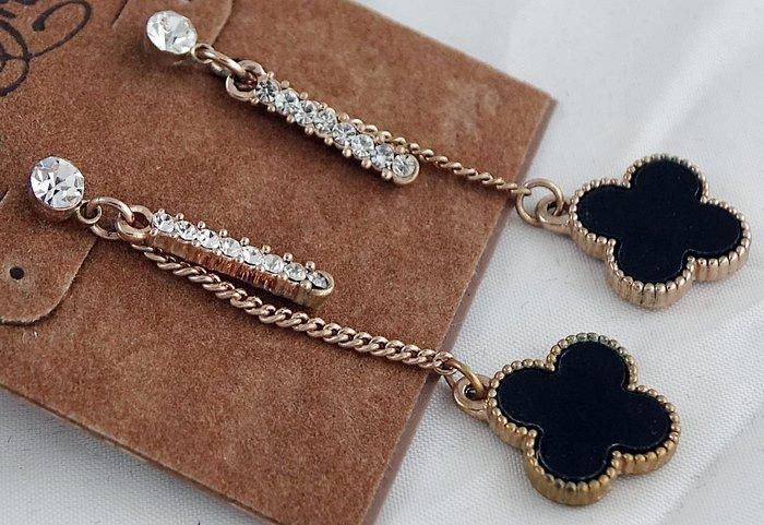 全新美國帶回 Lucky Brand 黑色花朵垂飾,鑲珠混搭細緞穿式耳環!只有這一件。免運費!