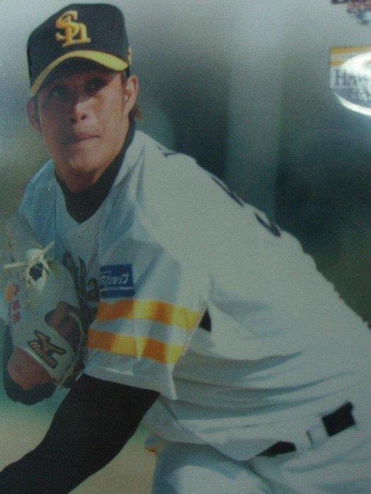 貳拾肆棒球--2008BBM日職棒軟體鷹隊卡陽耀勳.一盒不一定有一張