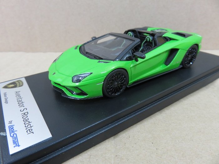 =Mr. MONK= LookSmart Lamborghini Aventador S Roadster