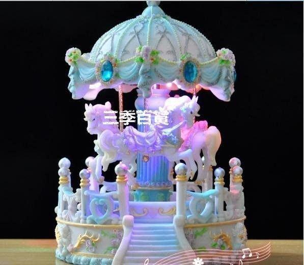 三季亭子馬旋轉木馬炫彩發光音樂盒八音盒送朋友生日禮物情侶禮物 結婚禮物新年聖誕節禮品11-24❖581