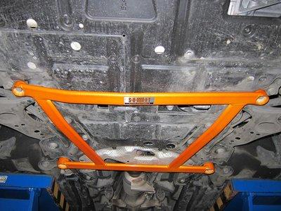 《大台北》億成汽車底盤精品改裝-SUMMIT-前下井字拉桿 TOYOTA PRIUS (ZVW30)