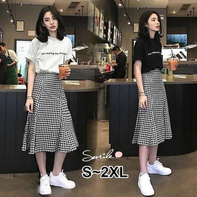 【V2504】SMILE-清新甜味.字母印花短袖上衣高腰傘狀裙兩件式套裝