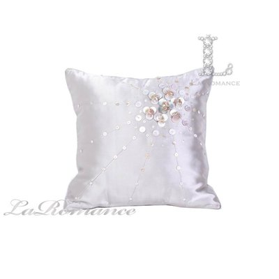 【芮洛蔓 La Romance】東方雅韻系列珠片裝飾造型銀色抱枕 / 靠枕 / 靠墊 / 方枕