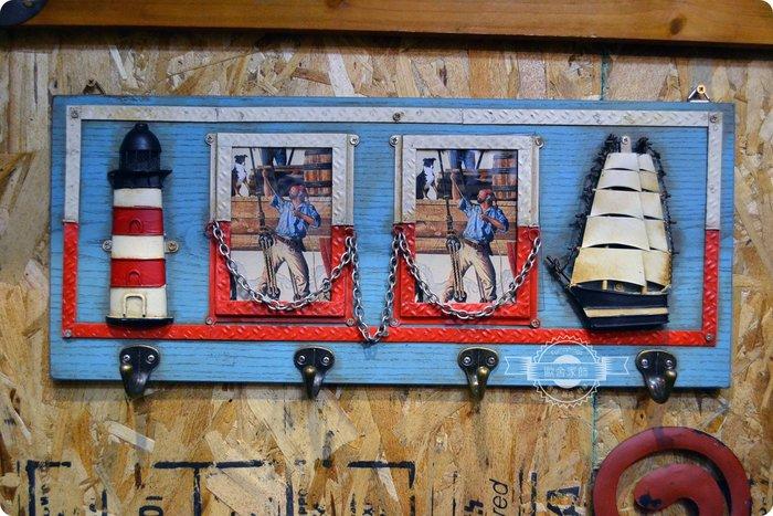 工業風帆船燈塔兩框相框 四勾掛勾 紅白藍水手海軍風 復古仿舊刷舊木製鐵皮壁掛壁飾  居家佈置送禮【【歐舍家飾】】