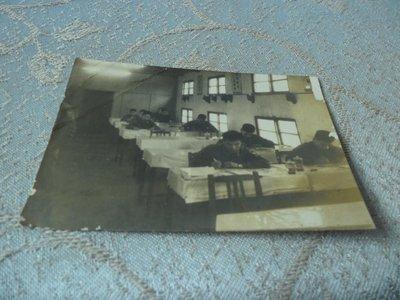 藍色小館10-7--------約40-50年代.生活照{3張}