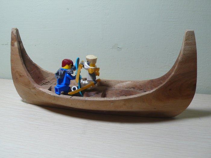 原民早期木雕獨木舟(不含樂高人偶)