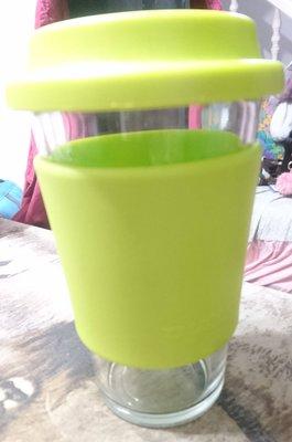 二手(現貨) - 綠色玻璃杯附蓋子/咖啡杯
