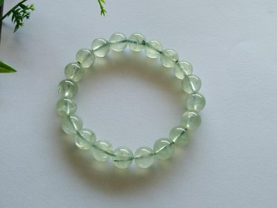 簡單Simple。現貨。40570號天然水晶水潤清透葡萄石手鍊手串手珠10.5MM。