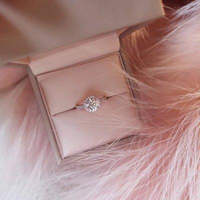 現貨不必等-CVD鑽石 豪華群鑲款式 0.43克拉鑽戒