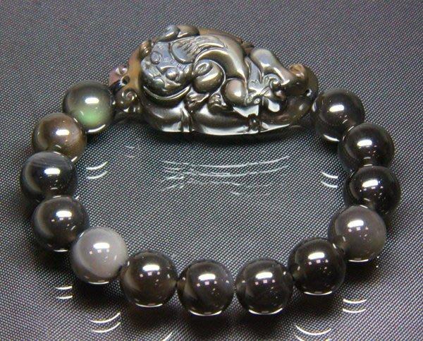 【小熊水晶窩】漂亮!頂級!天然彩虹冰種黑曜岩貔貅手鍊手珠02