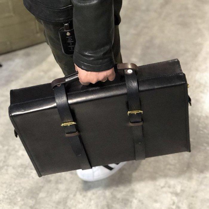 ~皮皮創~原創設計手作包。英倫風古著手提箱 復古真皮包大容量手提包電腦包商務通勤出差登機包行李箱郵差包定型方正植鞣牛皮包