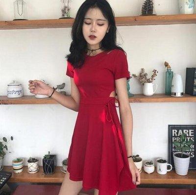 韓國chic風復古小心機性感鏤空顯瘦系帶小黑裙夏季修身短袖連衣裙洋裝