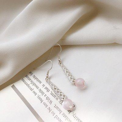 原單小確幸~進口專櫃 銀色縷空柔美粉晶垂墜耳環//賣場都是現貨 特價39