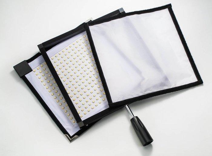 呈現攝影-Travor FC-3030 高亮度LED燈 高流名4500LM 可折疊收納 附柔光布 5600K色溫 主燈