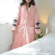 Empress丶冬季刺繡花朵款法蘭絨睡袍女開衫加肥加大碼胖MM200斤珊瑚絨睡衣