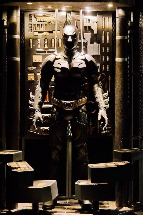 JAMES ROOM#Toys Legend 1/6 蝙蝠俠武器裝備庫格納庫+戰衣非ht 現貨 完美還原電影場景