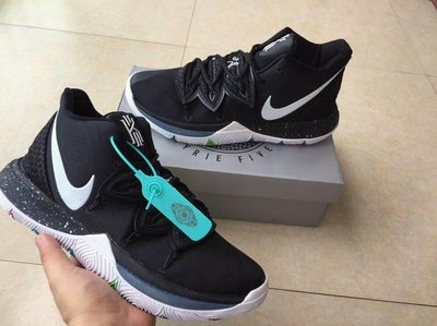 Nike Kyrie Irving 5 厄文 5代 籃球鞋 首发黑白配色運動鞋  NBA戰靴8~12