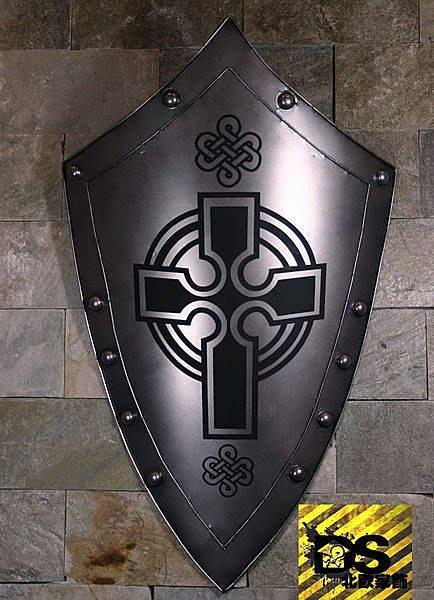 DS北歐家飾§loft工業風古羅馬盾牌十字壁飾掛飾玄關壁掛酒吧仿舊復古美式鄉村 中世紀帝國