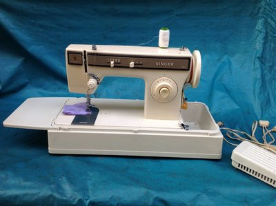 家庭用縫紉機二手 SINGER 勝家 1247 含半年保固 ~ 拼布 、學生、家用兩皆宜 (無防塵蓋)
