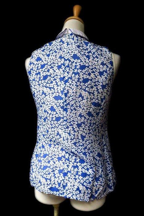 *Beauty*COMMAND A白領水藍色小花背心襯衫  800元  PH