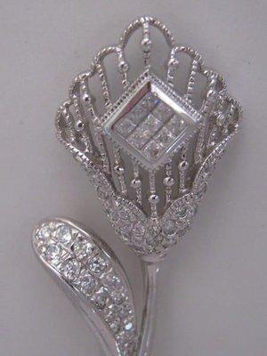 名媛歐美款國際R925銀花朵胸針鑲絢麗頂級CZ方鑽重14.48g.花朵耳環.