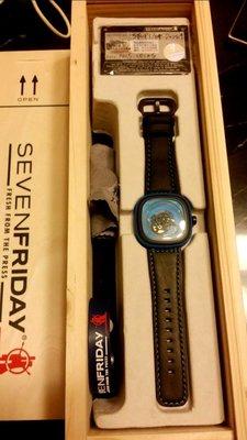 SEVEN FRIDAY 原廠台灣公司貨P1-04藍色目前官網已售完原價35500元現特價29000元