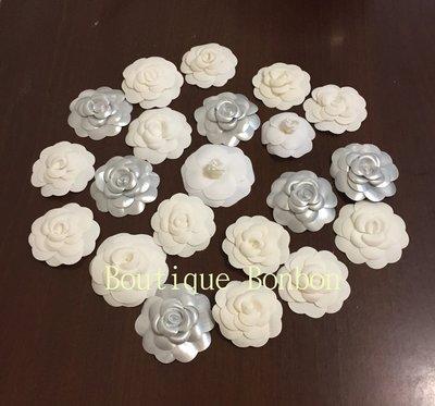《Boutique Bonbon》CHANEL香奈兒 白色 銀色 山茶花 緞帶 聖誔版 ~ 現貨