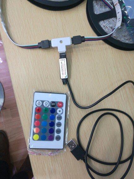 遙控七彩燈條 RGB燈條 極光燈條  LED黏貼燈條 只售延長接頭