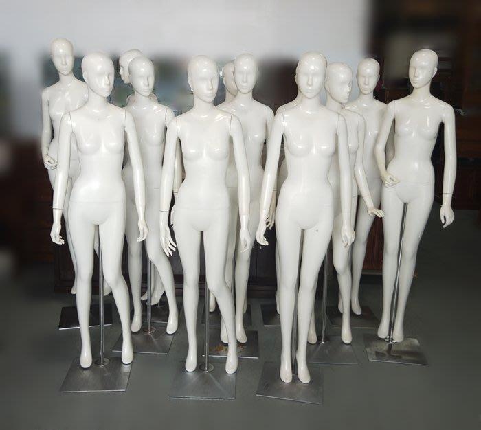 宏品二手家具館 台中便宜家中古傢俱賣場XS0606*白色模特兒(有頭)*2手拍賣 服飾店用品 展示櫃 吊衣架 吊衣桿新竹