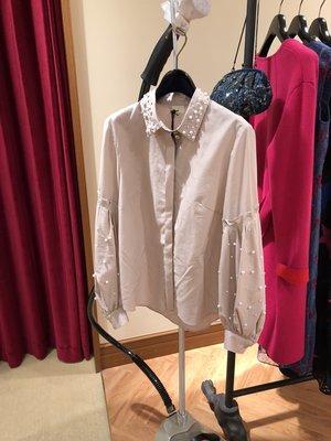 日本品牌 GRACE CONTINENTAL 淡粉色大人氣珠飾襯衫 36