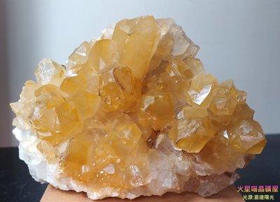 [火星喵晶礦屋] 迷人的金色山脈~天然黃水晶簇、超級閃亮黃皮水晶簇~清晰橫紋水晶、骨幹壘生黃皮水晶簇