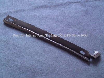 ※寶捷國際※ 1999 M.Benz E/W210 側裙膠條-前段 L/R 2106987130/7230 台灣製造